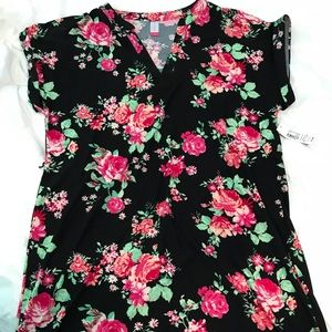 Dresses & Skirts - NWT cover up.